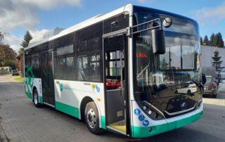 Zdjęcie nowego autobusu komunikacji miejskiej